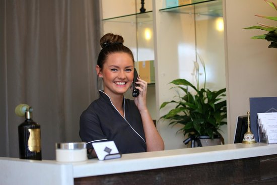 MAKE YOUR RECEPTIONIST MORE PRODUCTIVE